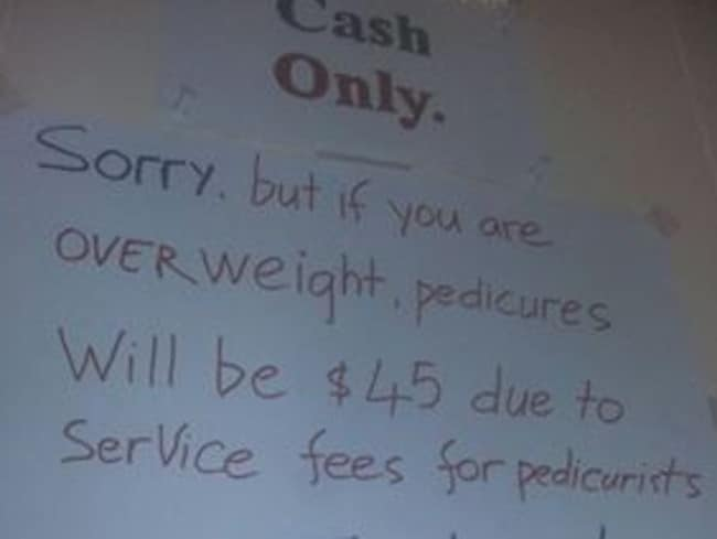 A nail salon in Tennessee has been criticised over its policy for overweight customers.