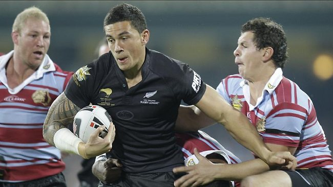 Sonny Bill Williams tries to break the line in the Centenary Test against Australia in 2008.