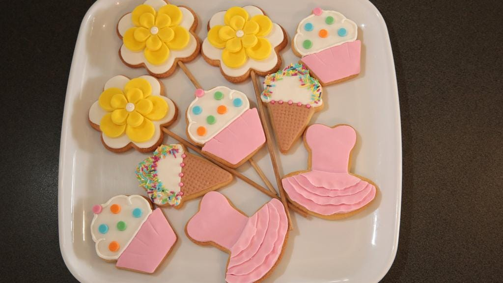 Cake Decorating Rouse Hill : How to make sugar cookies News Local