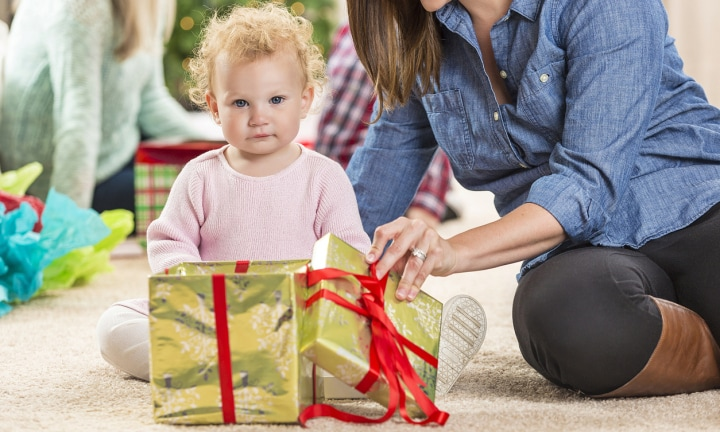 Put down the credit card: Study reveals fewer toys leads to better play