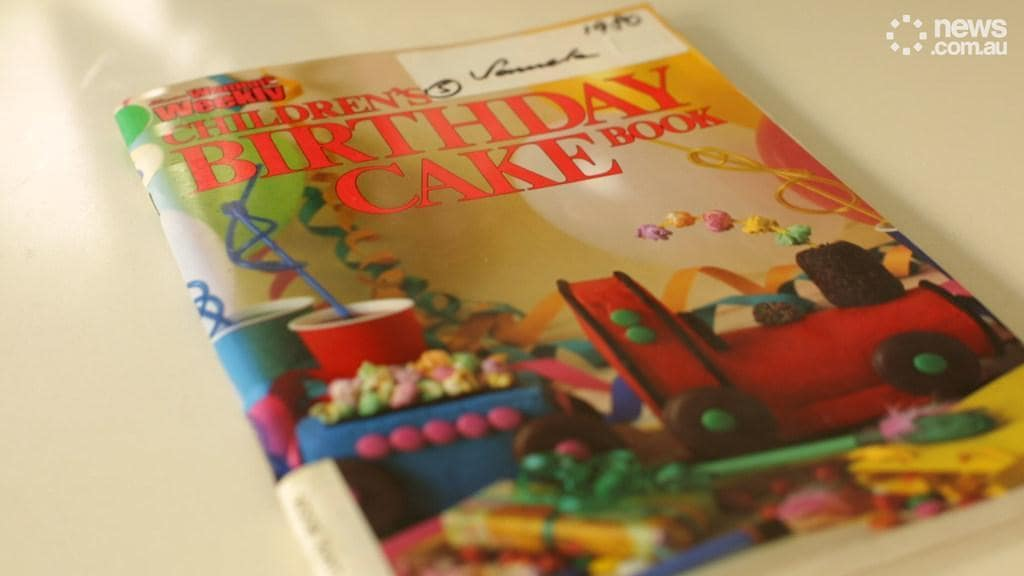 The Australian Womens Weekly Childrens Birthday Cake Book - Womens weekly childrens birthday cake cookbook