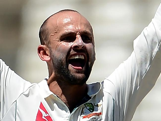 Sri Lanka star overshadows Lyon's rare milestone