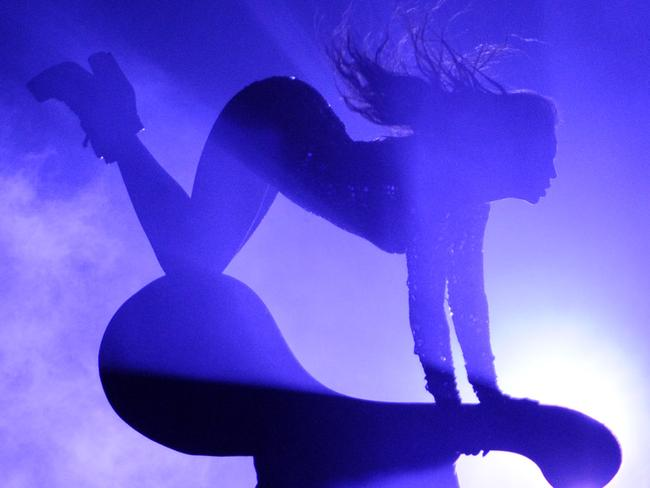 Beyonce performs at the VMAs.