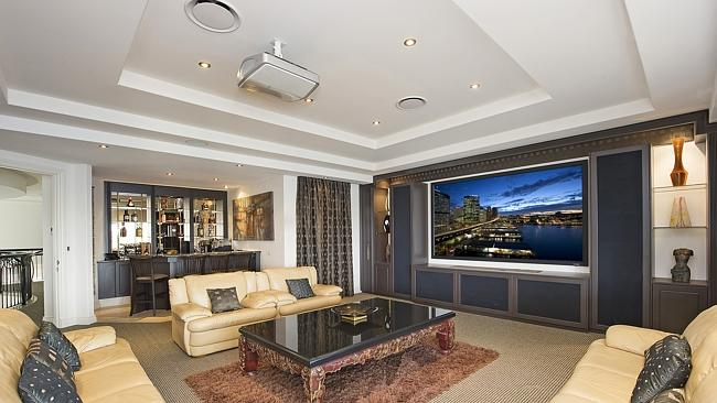 60 Admiralty Drive, Paradise Waters.