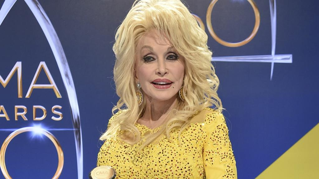 Dolly Parton will donate money to families affected by the devastating fires that have ripped their way across Tennessee. Picture: Supplied.