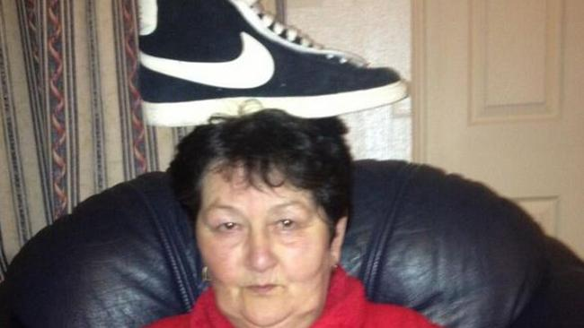 #thingsonmynan twitter: A Nike shoe poseted on April 28.