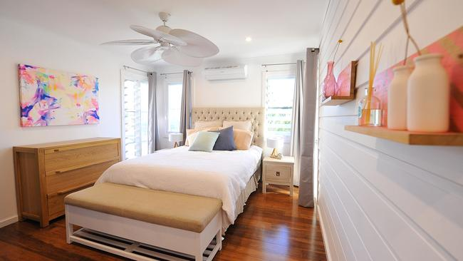 Beach feel ... The light and bright bedroom.