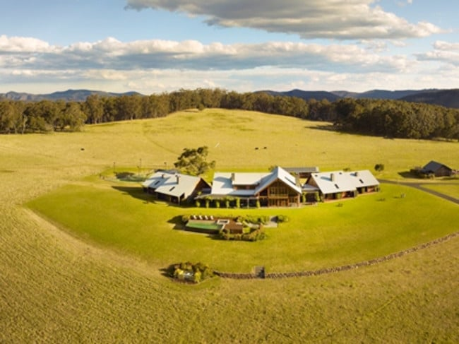 Spicers Peak Lodge from the air — sadly not experienced by me.