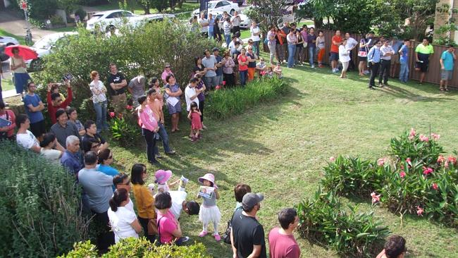 A crowd of 250 gathered for the separate auctions of a house and a land lot at 87 and 89 Culloden Rd, Marsfield. NSW real estate.