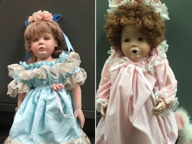 Two dolls left outside homes in San Clemente. Photo: KTLA 5 News Facebook.