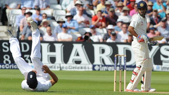 This time he succeeds. Cook holds a sharp chance to remove Rahane off Liam Plunkett's bowling.