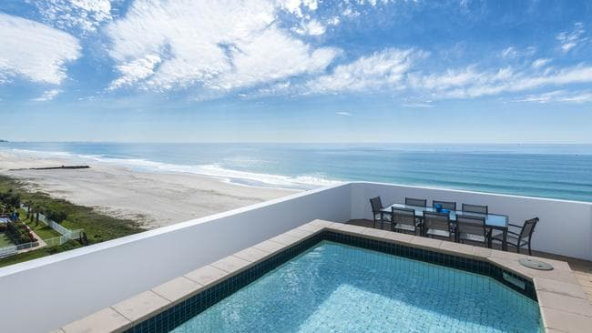 Top 10 gold coast homes with pools on the market gold for 111 skyline terrace burleigh heads