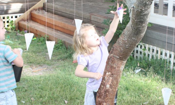 Make hanging cones for an Easter egg hunt