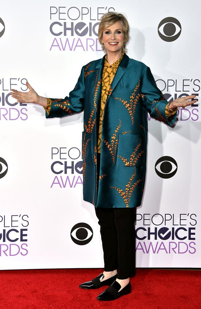 Jane Lynch arrives at the People's Choice Awards. Picture: Jordan Strauss/Invision/AP