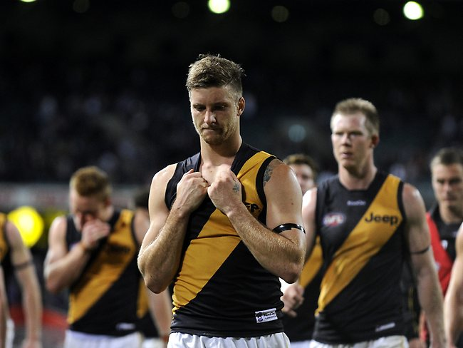 AFL ROUND 5- Fremantle Dockers v Richmond Tigers at Patserons Stadium, Perth. PICTURED- Richmond's Ricky Petterd leaves the field after their one point loss. Picture: Daniel Wilkins