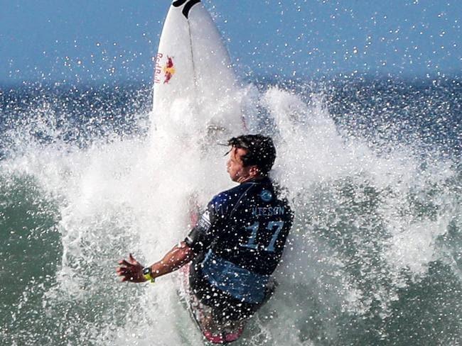 Julian Wilson on his way to winning the Quiksilver Pro on the Gold Coast.