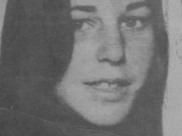 **This picture has a scanned reverse - see associated content at the bottom of the details window** Catherine Headland, 14, abducted in 1980. Her body, along with two others was found in the scrub at Tynong North in Victoria. The deaths are believed to be linked to severlal others as part of an unsolved serial killing case.