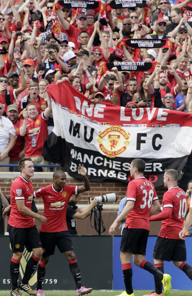 Manchester United manager Louis Van Gaal hoping to put the ...