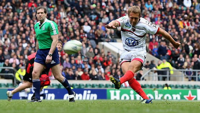 Toulon flyhalf Jonny Wilkinson kicks a penalty during the Heineken Cup semi-final match between Saracens and Toulon at Twickenham. He scored all his side;'s points in the 24-12 win. Picture: David Rogers