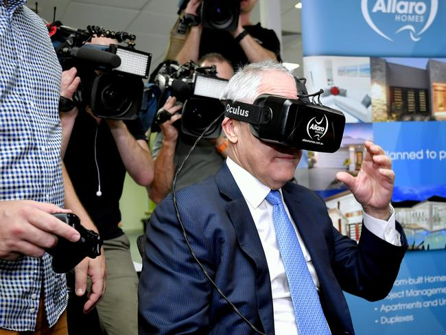 Malcolm Turnbull in Cairns visiting the innovation hub theSPACE. Picture: Jason Edwards.