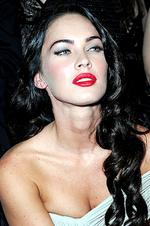 <p>Actress Megan Fox attends Giorgio Armani Prive Fashion Show at Palais de Chaillot on July 7, 2009 in Paris, France.</p>