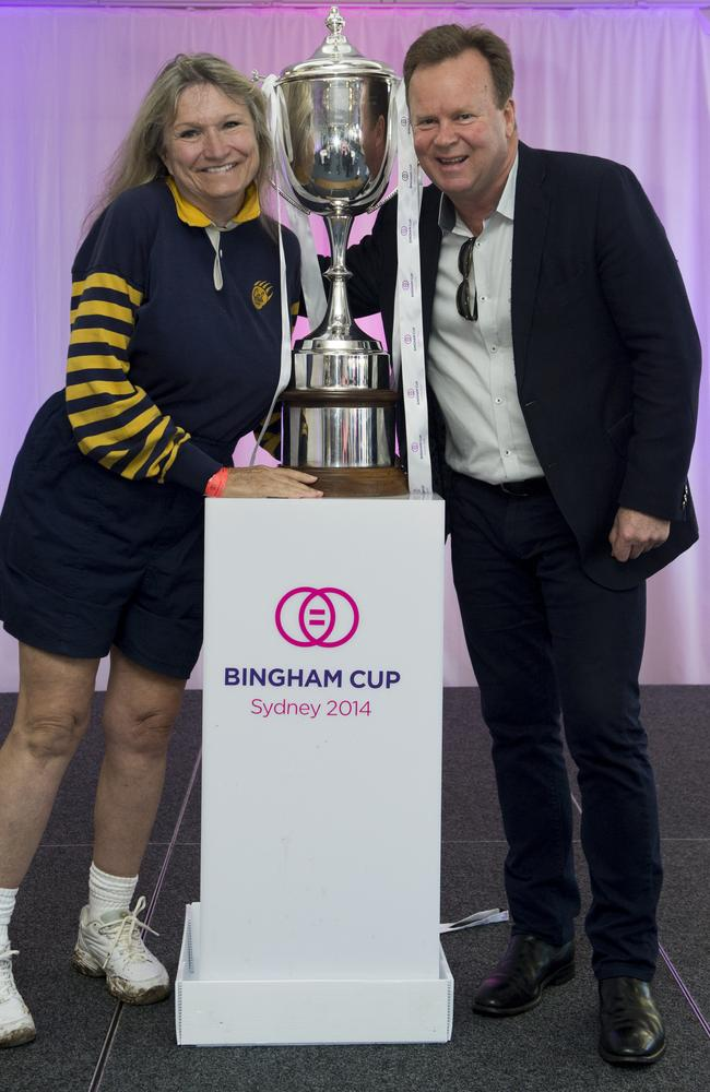 Alice Hoglan, mother of Mark Bingham, and head of the ARU Bill Pulver with the Bingham Cup
