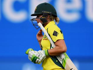 Alyssa Healy of Australia gets out during the Women's T20 International Australia and New Zealand Day 2 match at the Kardina Park in Geelong, Australia, Sunday. Feb. 19, 2017. (AAP Image/Tracey Nearmy) NO ARCHIVING, EDITORIAL USE ONLY, IMAGES TO BE USED FOR NEWS REPORTING PURPOSES ONLY, NO COMMERCIAL USE WHATSOEVER, NO USE IN BOOKS WITHOUT PRIOR WRITTEN CONSENT FROM AAP