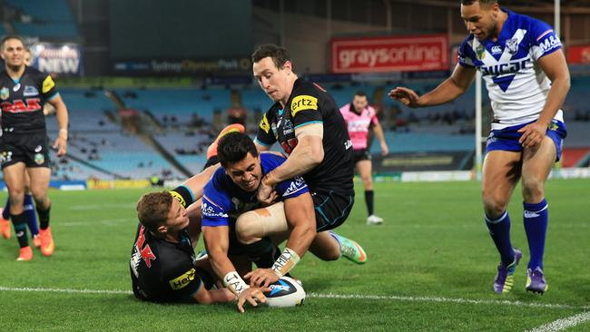This try by Tim Lafai's try was disallowed by Steve Clark.
