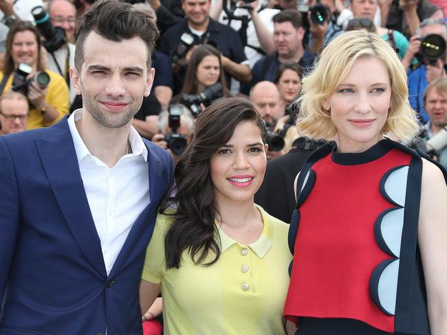 Jay Baruchel joins America Ferrera and Cate Blanchett for a photocall in Cannes.