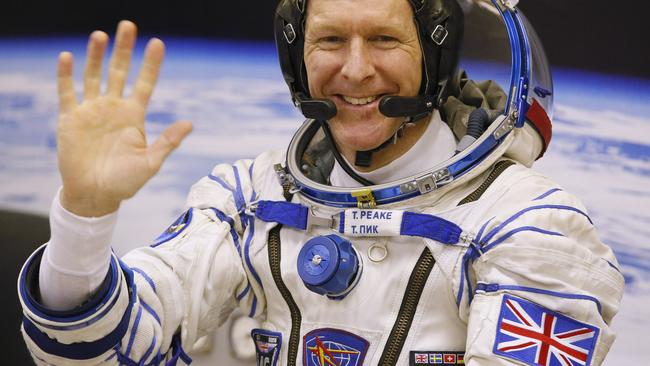 Astronaut Tim Peake takes giant leap for Brits with first ...