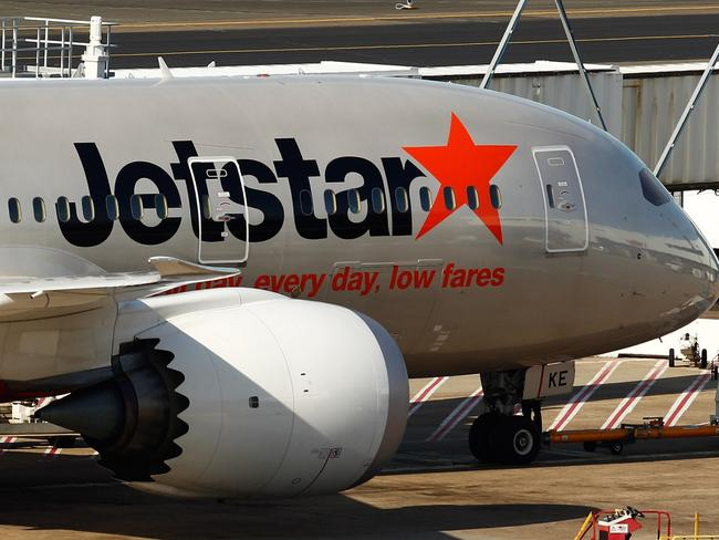 Jetstar hits back at 'worst airline' claim