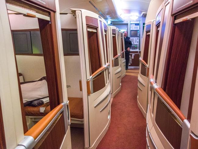 What it s like to fly on the 20 000 singapore airlines for First class suite airline