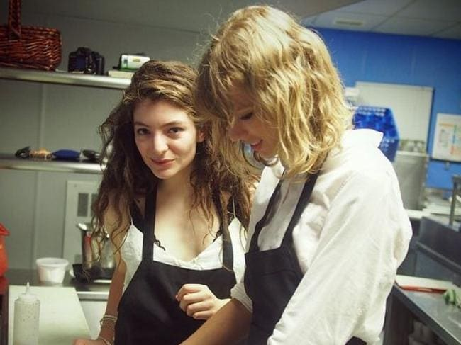 Their Kitchen Rules ... Lorde and her BFF Taylor Swift.