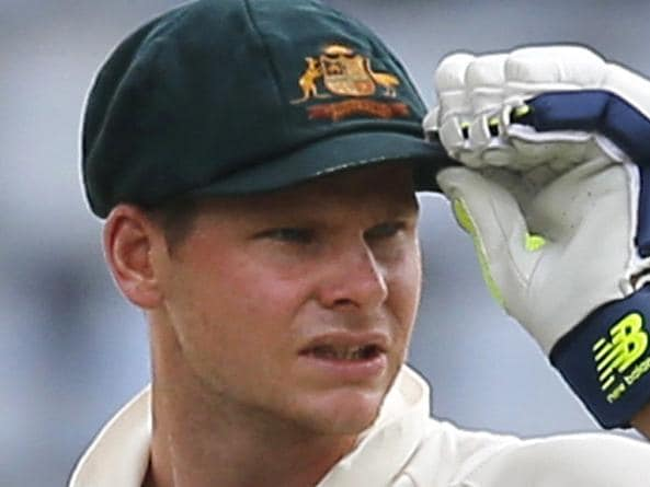 Risky Aussies leave Test poised on knife edge