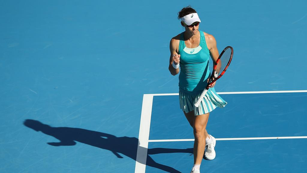Samantha Stosur is through to the Hong Kong WTA quarter-finals.