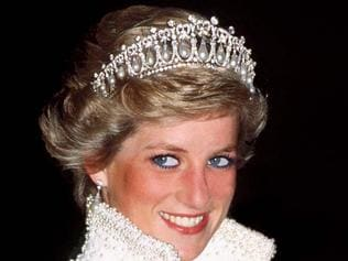 Princess Diana waering Catherine Walker