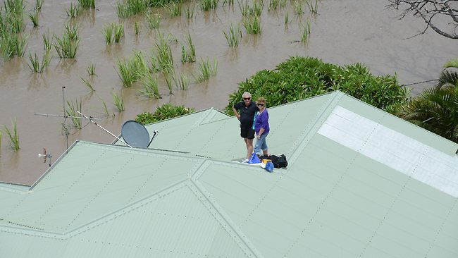 Flooods Bundaberg rooftop rescue