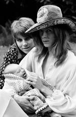 Pop star David Bowie with wife Angie and three week old son Zowie on 29th June 1971. (Zowie later changed his name to Duncan Jones). Picture: Daily Mirror/Mirrorpix/Corbis
