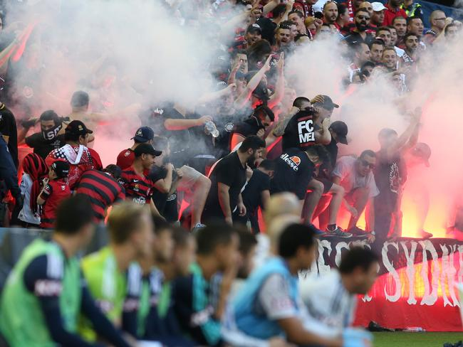 western sydney wanderers flares up - photo#9