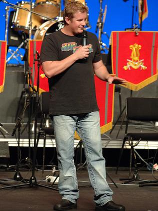 Kinne performs at a Tour de Force Concert for Defence families at Darwin Entertainment Centre.