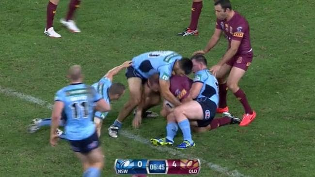 This time Paul Gallen and James Tamou make sure Scott has nowhere to go.