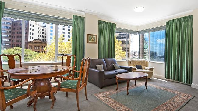 An apartment at 1010/38 Bridge St, Sydney sold for $830,000. NSW real estate.