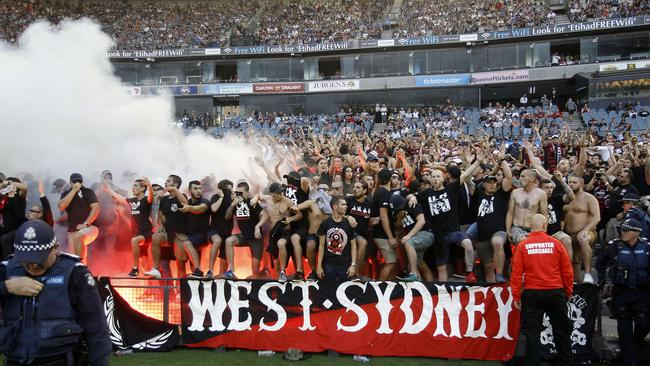 western sydney wanderers flares up - photo#19