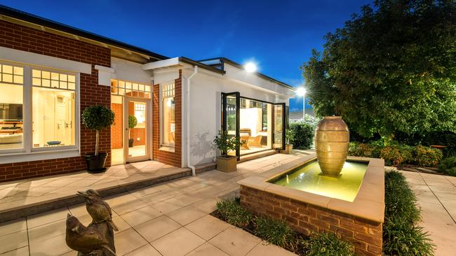 Adelaide s top sellers of 2017 australia s for 8 robe terrace medindie