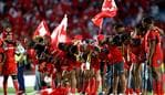 AUCKLAND, NEW ZEALAND - NOVEMBER 25: Tonga bow to the crowd following the 2017 Rugby League World Cup Semi Final match between Tonga and England at Mt Smart Stadium on November 25, 2017 in Auckland, New Zealand. (Photo by Phil Walter/Getty Images)