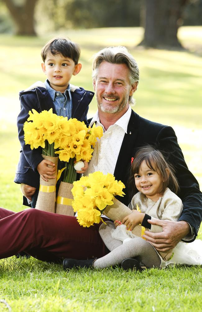 Barry Du Bois with his twins Bennet and Arabella who are now 5-years-old. Picture: Justin Lloyd