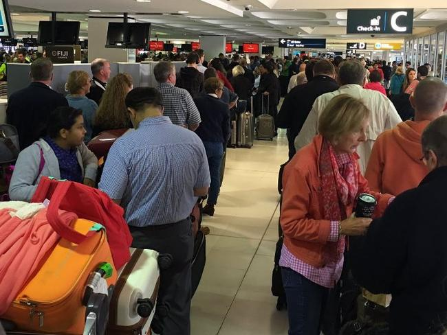 Airport 'mayhem' as passport system fails