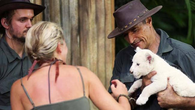 Celebrity vegan stands shoulder-to-shoulder with animal ...