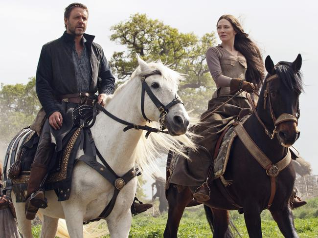 Isaac was in 2010's  <i>Robin Hood</i>, but didn't get to work with Cate Blanchett, here with Russell Crowe.