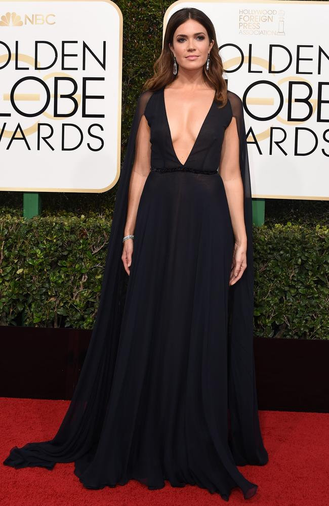 Mandy Moore arrives at the 2017 Golden Globe Awards in Beverly Hills.